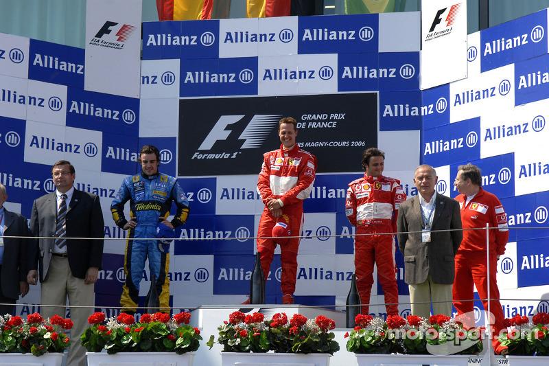 Podio: ganador de la carrera Michael Schumacher, segundo lugar Fernando Alonso y tercer lugar Felipe Massa