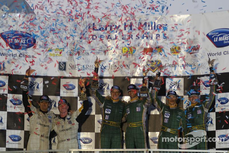 Podium de la LM GT1