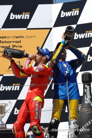 Podium: champagne for Valentino Rossi and Marco Melandri
