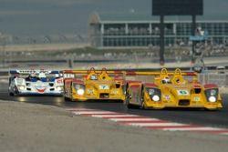 #7 Penske Motorsports Porsche RS Spyder: Timo Bernhard, Romain Dumas is between #6 Penske Motorsport