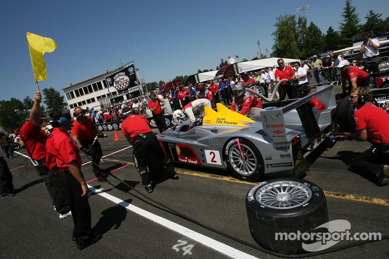 Défi de l'équipe de stand : #2 Audi Sport North America Audi R10 TDI Power: Rinaldo Capello, Allan M