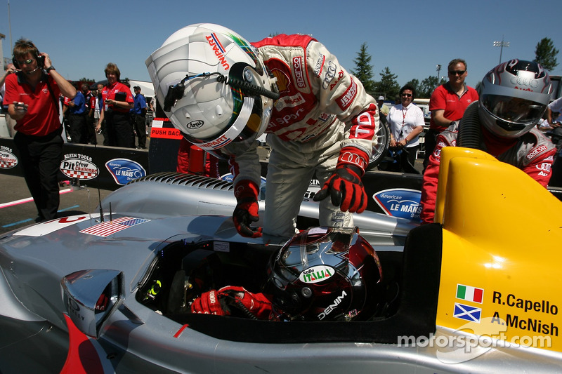 Défi de l'équipe de stand : #2 Audi Sport North America Audi R10 TDI Power: Rinaldo Capello, Allan McNish