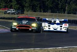 #007 Aston Martin Racing Aston Martin DB9: Tomas Enge, Darren Turner and #16 Dyson Racing Team Lola B06/10 AER: James Weaver, Butch Leitzinger