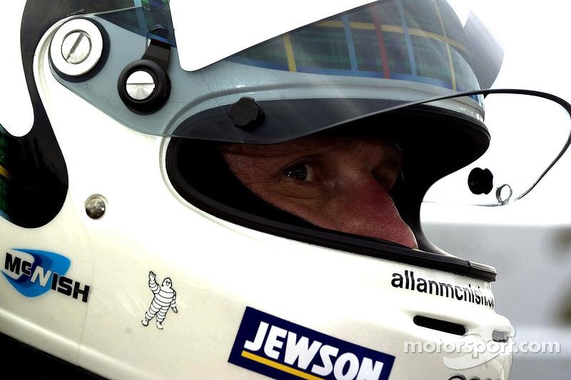 #2 Audi Sport North America Audi R10 TDI Power: Allan McNish