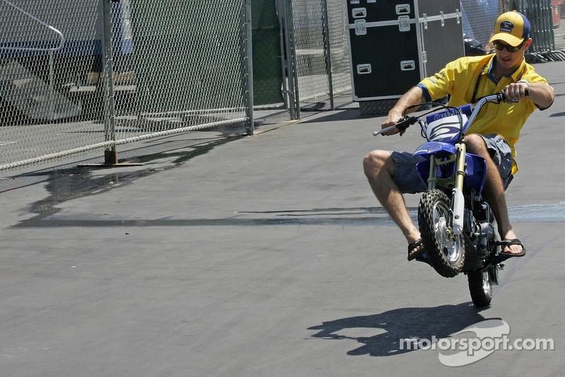 Colin Edwards sur sa moto