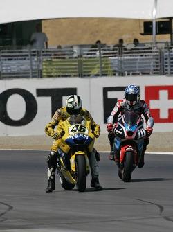 Valentino Rossi, Yamaha; Kenny Roberts Jr., Team Roberts