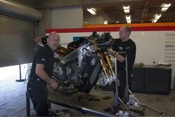 Мотоцикл KR Honda строится командой Team Roberts