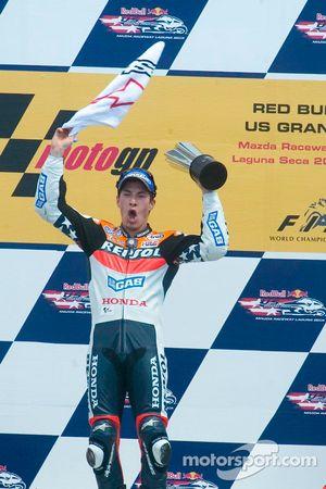 Nicky Hayden celebrates his victory