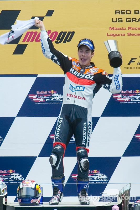Nicky Hayden celebra su victoria