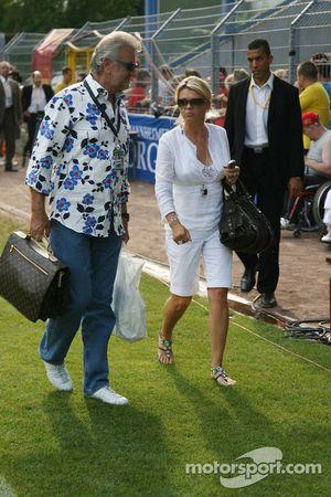 Spiel des Herzens, F1 Superstars plays against RTL Superstars UNESCO event: Willi Weber ve Corina Schumacher