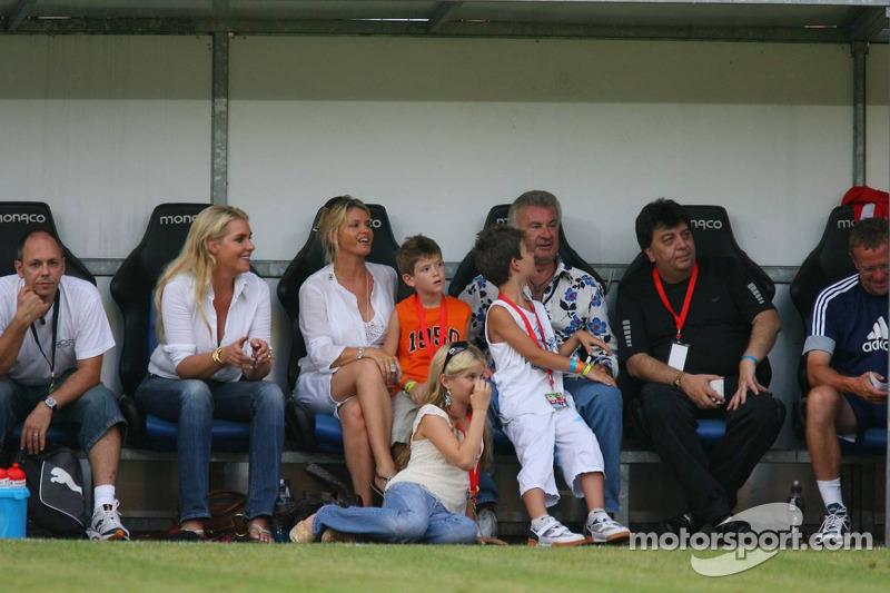 Spiel des Herzens, les stars de la F1 jouent contre les stars de RTL pour l'UNESCO: Corina Schumache