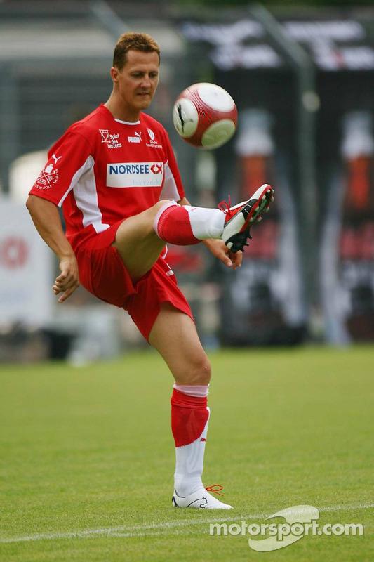 Spiel des Herzens, les stars de la F1 jouent contre les stars de RTL pour l'UNESCO: Michael Schumacher