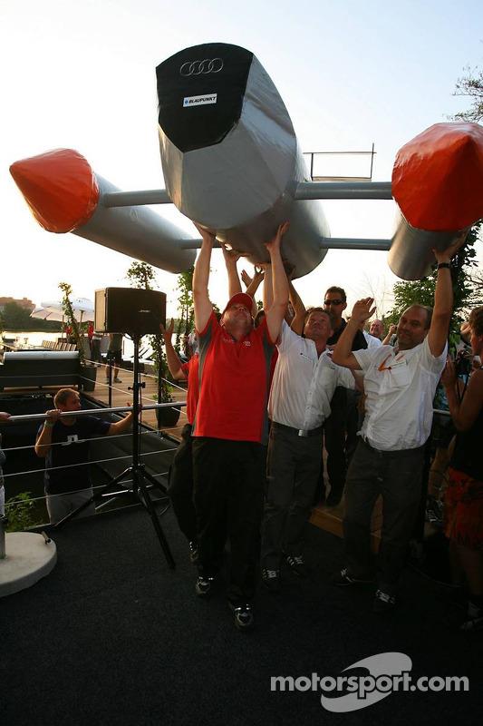Présentation des bateaux pour la course à Zandvoort: bateau de Timo Scheider