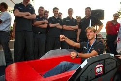Presentation of the boats for the water rafting race to be held in Zandvoort: boat of Jeroen Bleekem