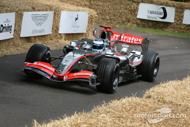20. El McLaren Mercedes MP4/20 de F1