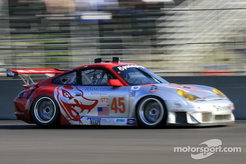 #45 Flying Lizard Motorsports Porsche 911 GT3 RSR, Henzler, Van Overbeek