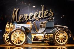 Evento de preparación de medios de DaimlerChrysler Mercedes: los 40 caballos de fuerza Mercedes Simp