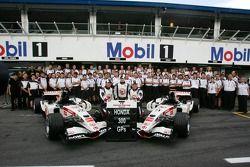 Honda Racing takım fotoğrafı: Honda celebrate their 300th Grand Prix