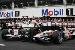 Foto del equipo Honda Racing: Honda celebra sus 300 Grand Prix, con Jenson Button y Rubens Barrichel