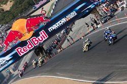 Lap 2 race action