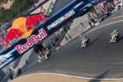 Lap 3 race action