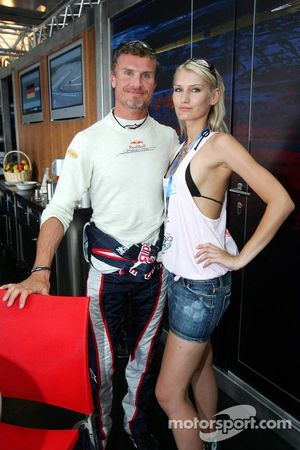 Sina Beckmann of the Red Bull Formula Unas girls and David Coulthard
