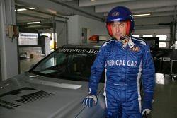 Dr Jacques Tropenat, pilote de la voiture médicale