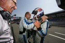 Gianmaria Bruni fête la pole position avec Andreas Zuber