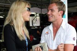 Robert Doornbos con una chica
