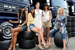 Formula Unas chicas Enyerlina Sanches, Lena Issa, Maria Sinowzik, Maja Dejanovic y Sophie Gassmann