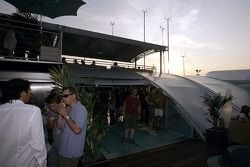 Red Bull Chilled Thursday: guests on the deck of the Red Bull Energy Station