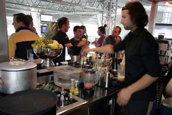 Red Bull Chilled Thursday: guests and the barkeeper in the Red Bull Energy Station
