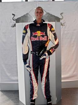 Bullshop: Red Bull Racing con un traje una botella de champagne y una chica
