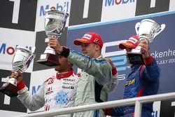 Gianmaria Bruni le vainqueur de la course, Lewis Hamilton 2ème, Timo Glock 3ème