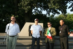 Souvenir de Pedro Rodriguez (1940-1971): Dr. Ulrich Maly, Heinz-Harald Frentzen, Miguel Ángel Quintana et Gernot Leistner