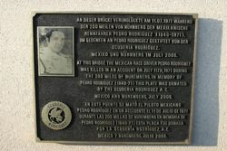 Souvenir de Pedro Rodriguez (1940-1971): La plaque commémorative