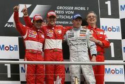 Podio: ganador de la carrera Michael Schumacher, segundo lugar Felipe Massa y tercer lugar Kimi Raik