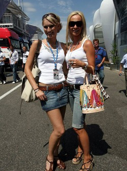 Sine Beckmann y Cora Schumacher