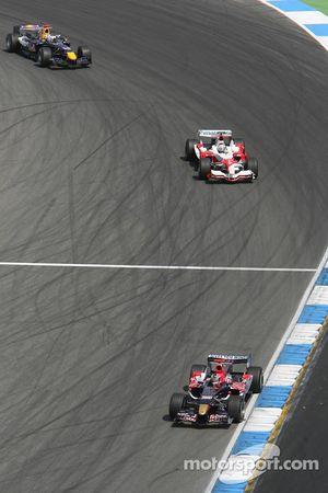 Vitantonio Liuzzi, Jarno Trulli et David Coulthard