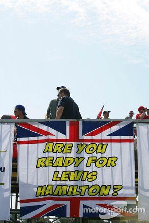 Le drapeau de Lewis Hamilton