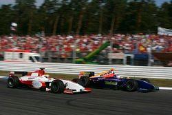 Lewis Hamilton et Adam Carroll