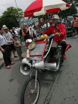 Funky three-wheeler