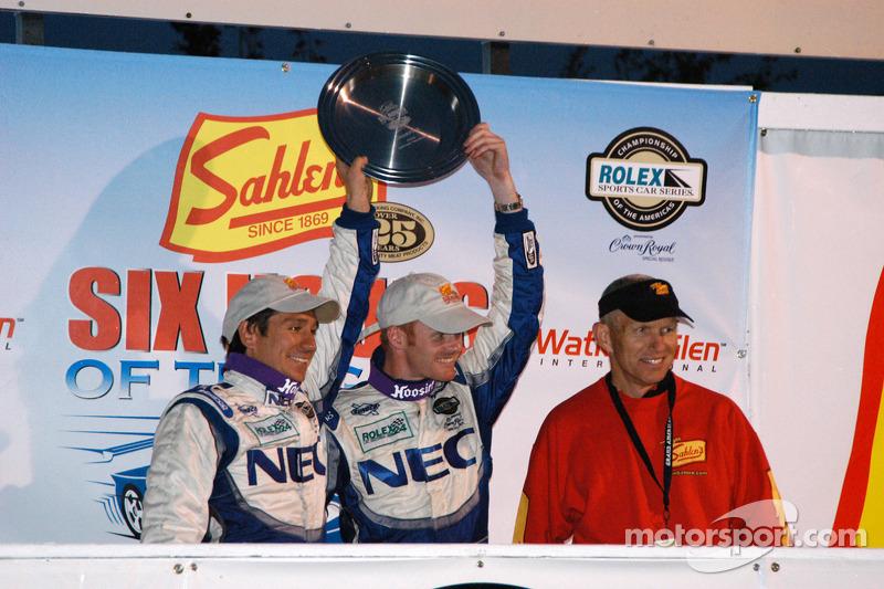 Wolf Henzler et Robin Liddell gagnent le GT