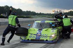 Arrêt au stand pour la #76 Krohn Racing Ford Riley: Jorg Bergmeister, Colin Braun