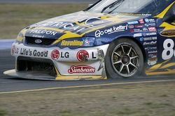 Jamie Whincup with problems
