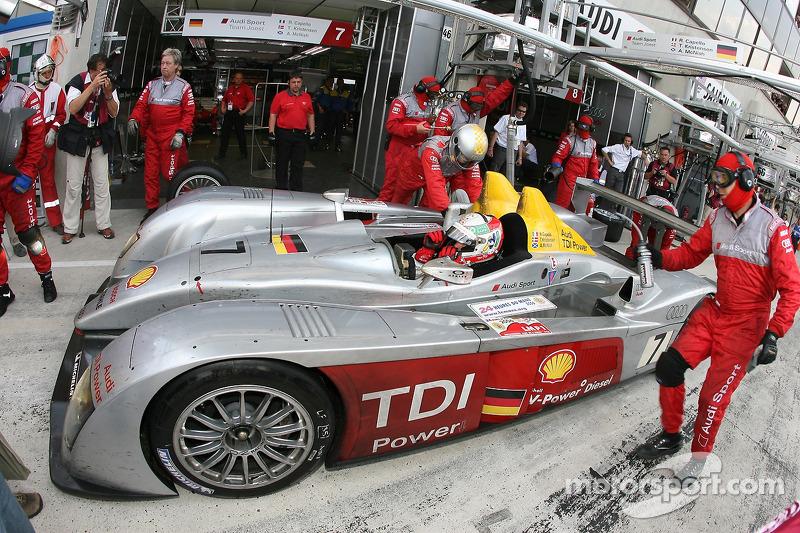 Boxenstopp: #7 Audi Sport Team Joest Audi R10: Allan McNish, Rinaldo Capello, Tom Kristensen