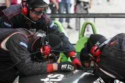 Pitstop for #22 Rollcentre Racing Radical SR9 Judd: Martin Short, Joao Barbosa, Stuart Moseley