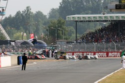 #8 Audi Sport Team Joest Audi R10: Marco Werner, Frank Biela, Emanuele Pirro premiers au drapeau à d