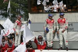 Rinaldo Capello, Marco Werner et Frank Biela fêtent leur victoire
