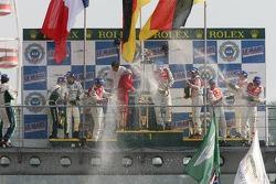 LMP1 podium: champagne pour tout le monde